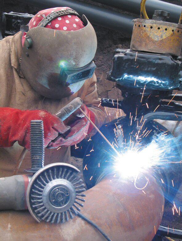 pipeline welders picture